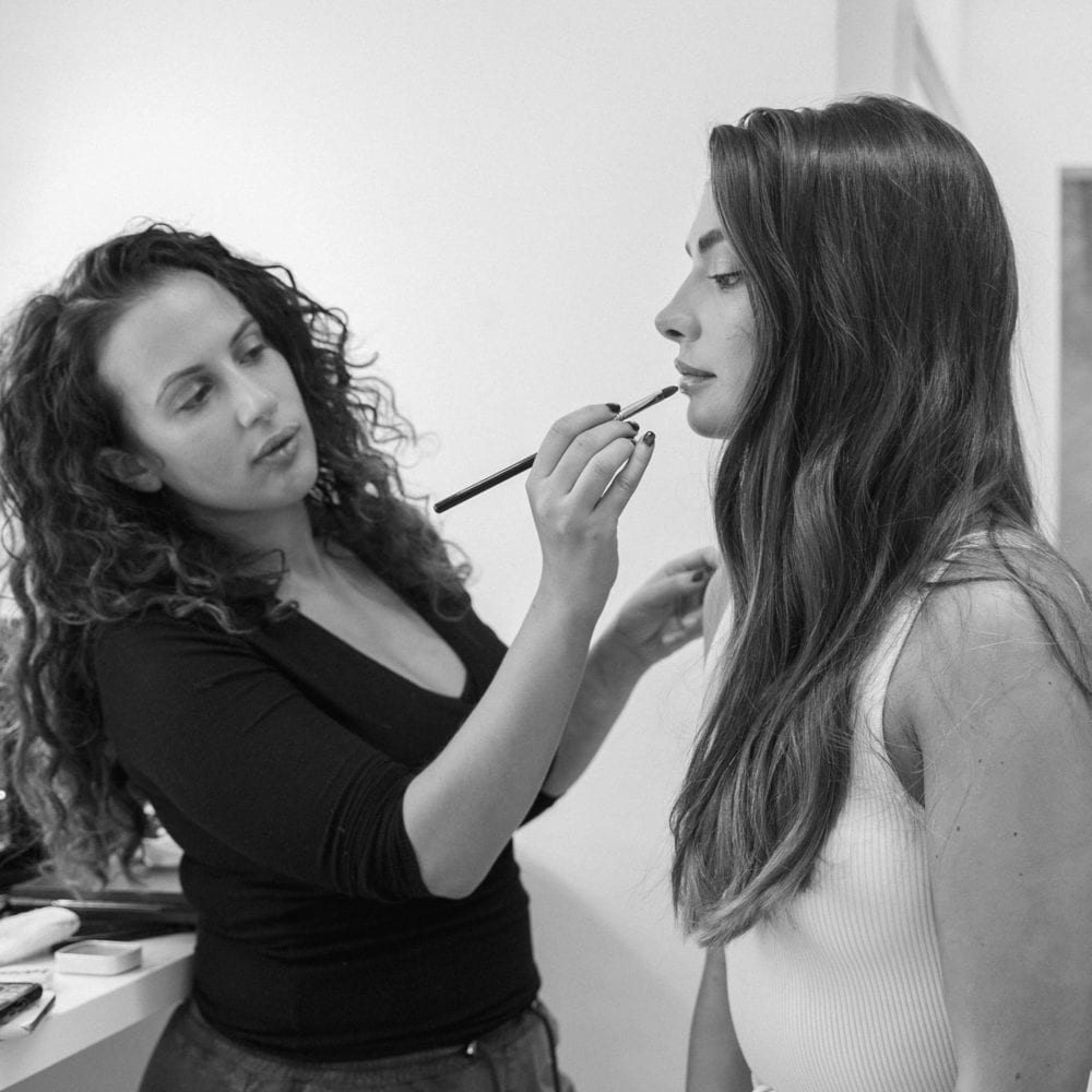 Behing the scenes makeup artist