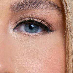 Secrets lashes close-up